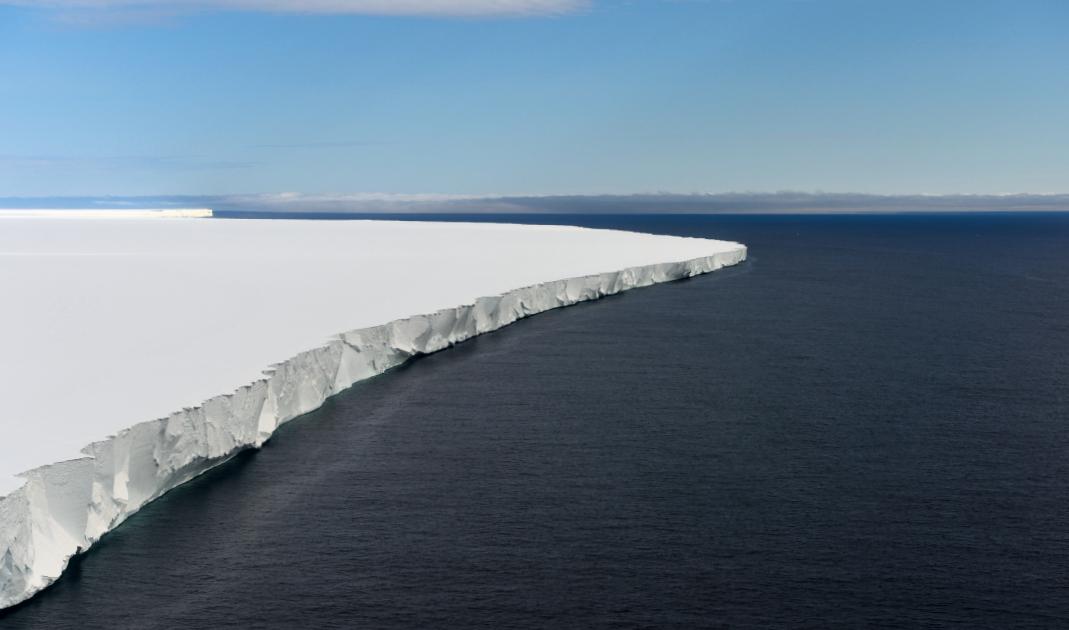 Starke Stürme tragen zum Kollaps von antarktischen Eisschelfs bei