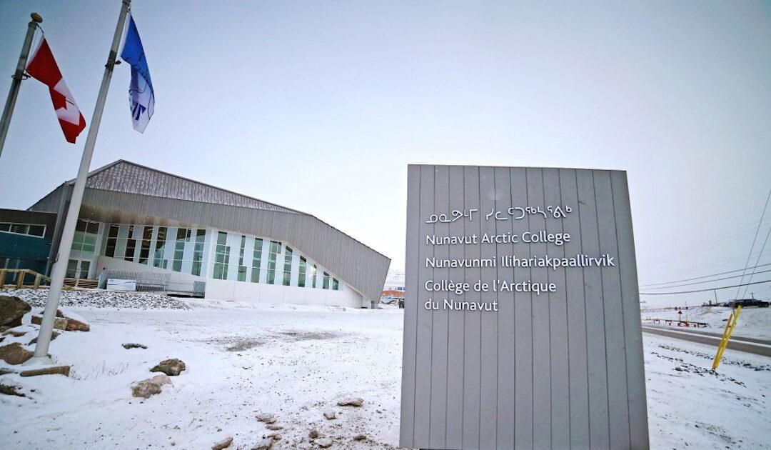 Mehr Geld soll Lehrkräfte und Inuktut in Nunavut stärken
