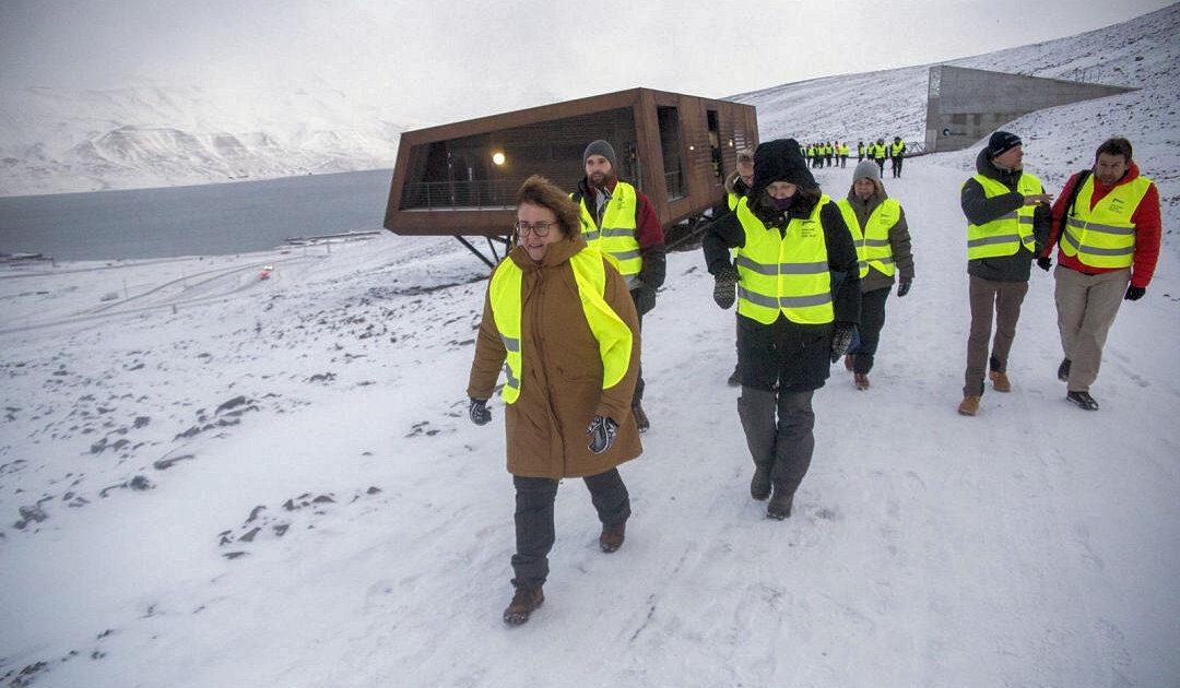 Svalbards Samenlager offiziell wiedereröffnet, neues Besucherzentrum in Planung