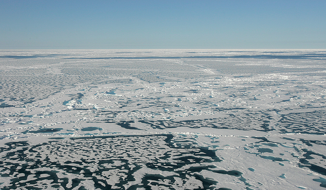 Saving the Arctic sea ice with glass beads?