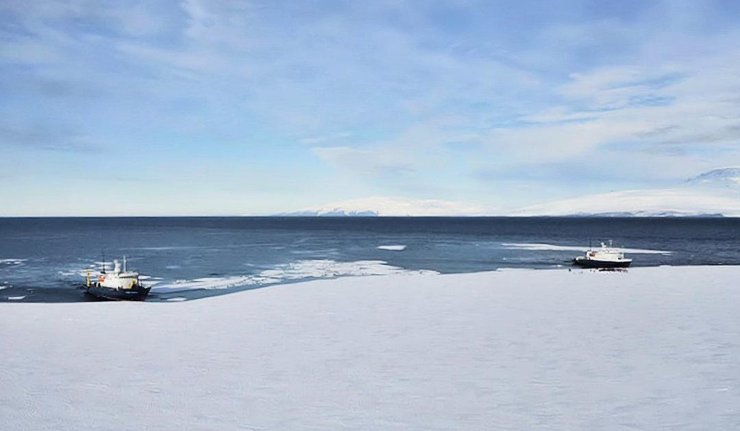 Spezielle antarktische 200-Jahr-Feier von Heritage Expeditions