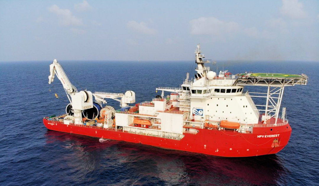 Fire on Australia's supply ship for Antarctica