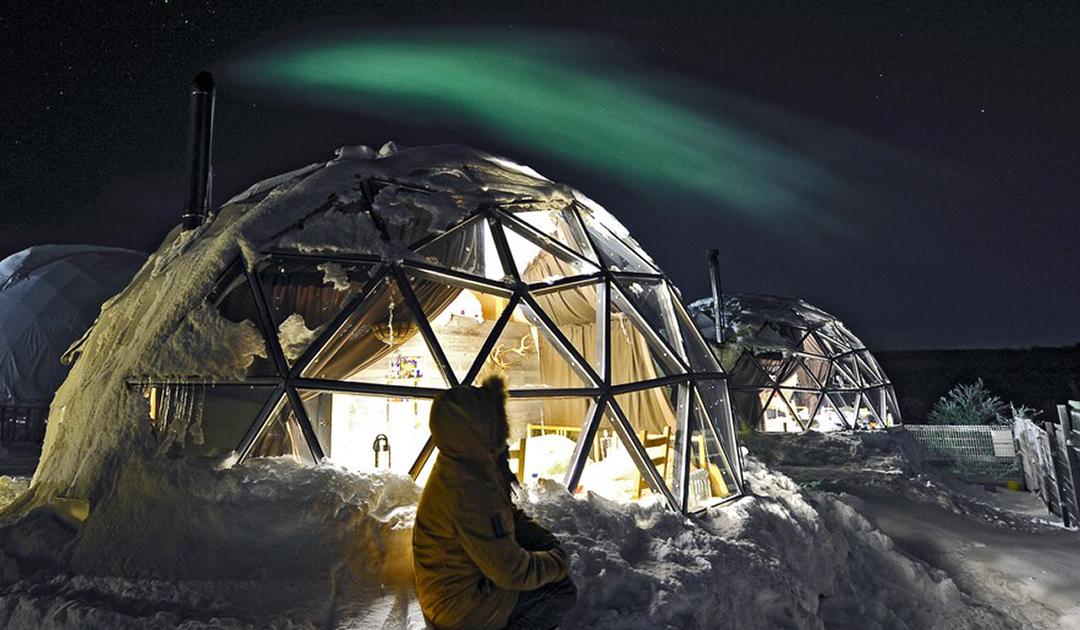 Polarlichter über Russlands Arktis ohne Touristen aus China
