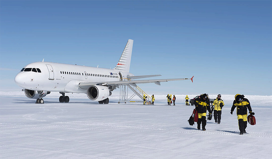 Australia plans new airfield in Antarctica