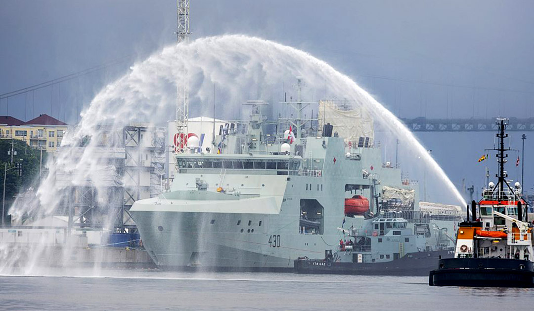 Royal Canadian Navy receives warships for Arctic