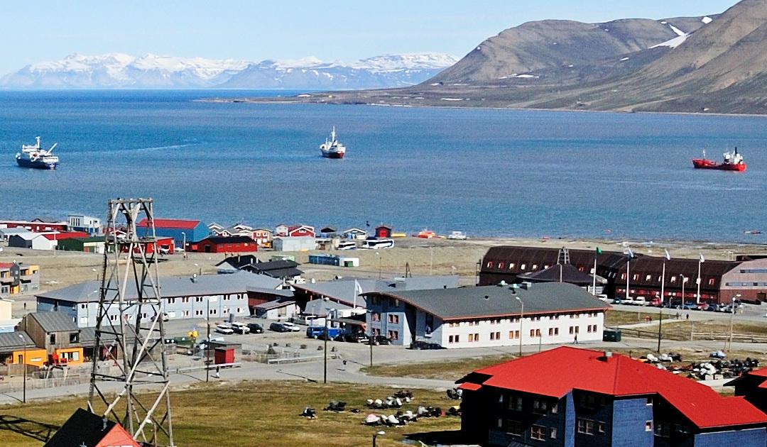 Hurtigruten Svalbard plant Verkauf von Immobilien
