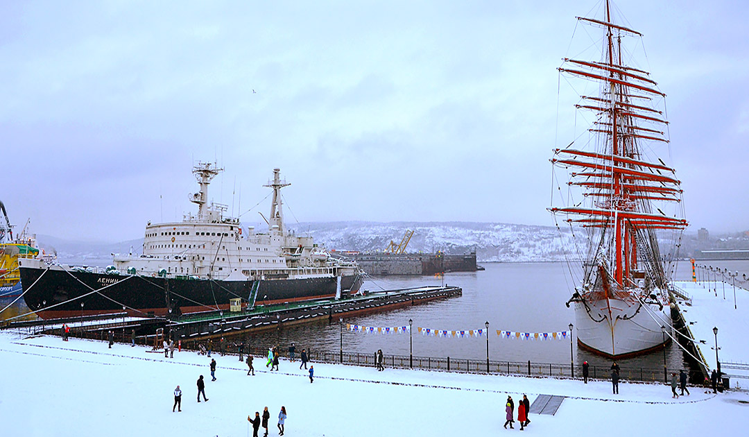 "Largest sailing ship ""Sedov"" in Murmansk"
