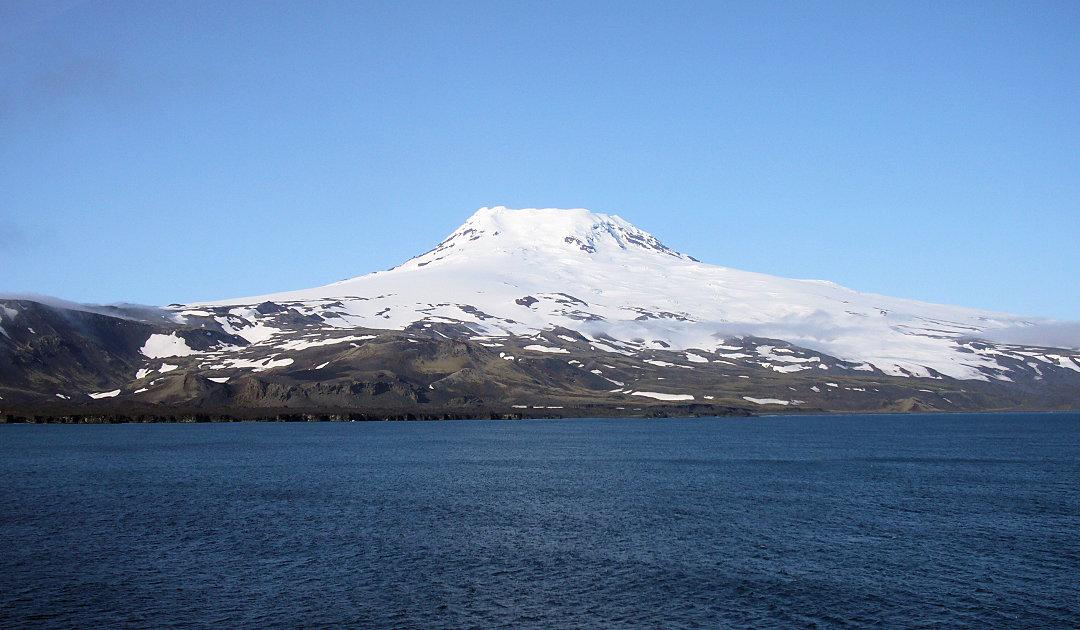 Grönlands Untergrund treibt thermale Aktivität in der Arktis an