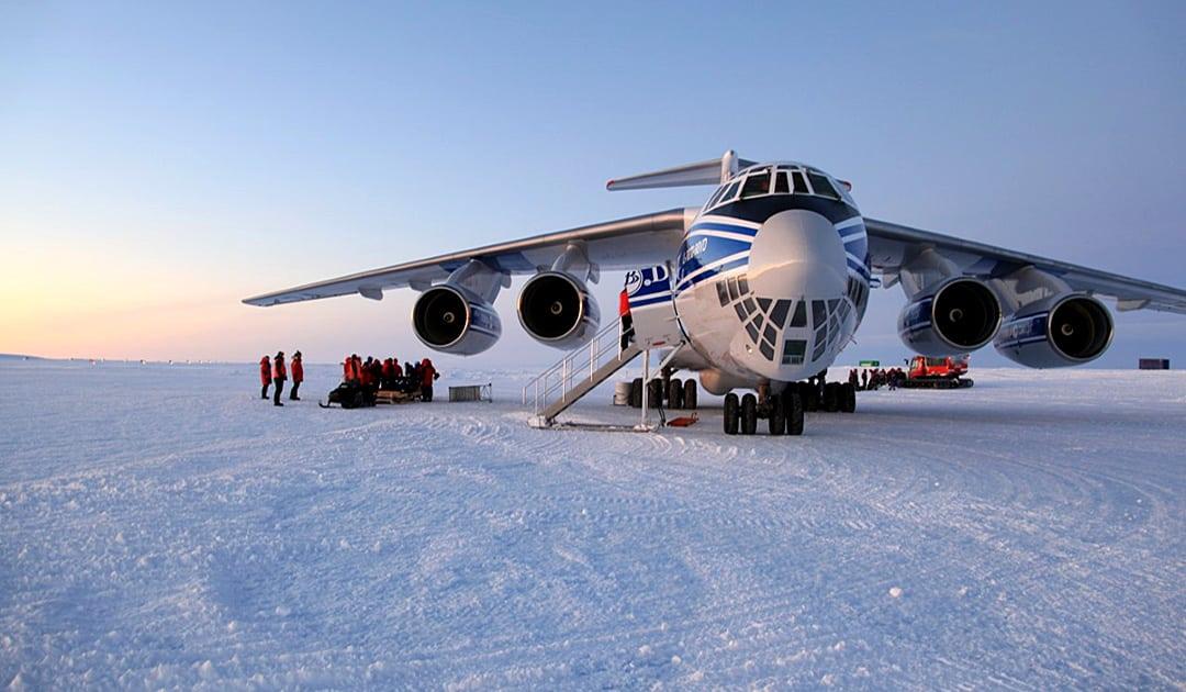 Volga-Dnepr-Airlines bringt Fracht in die Antarktis