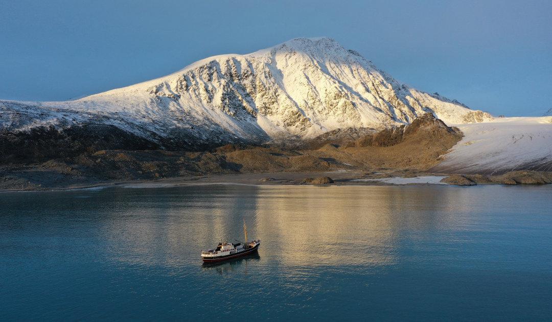 Doch noch auf Svalbard abtauchen mit kleinen Schiffen
