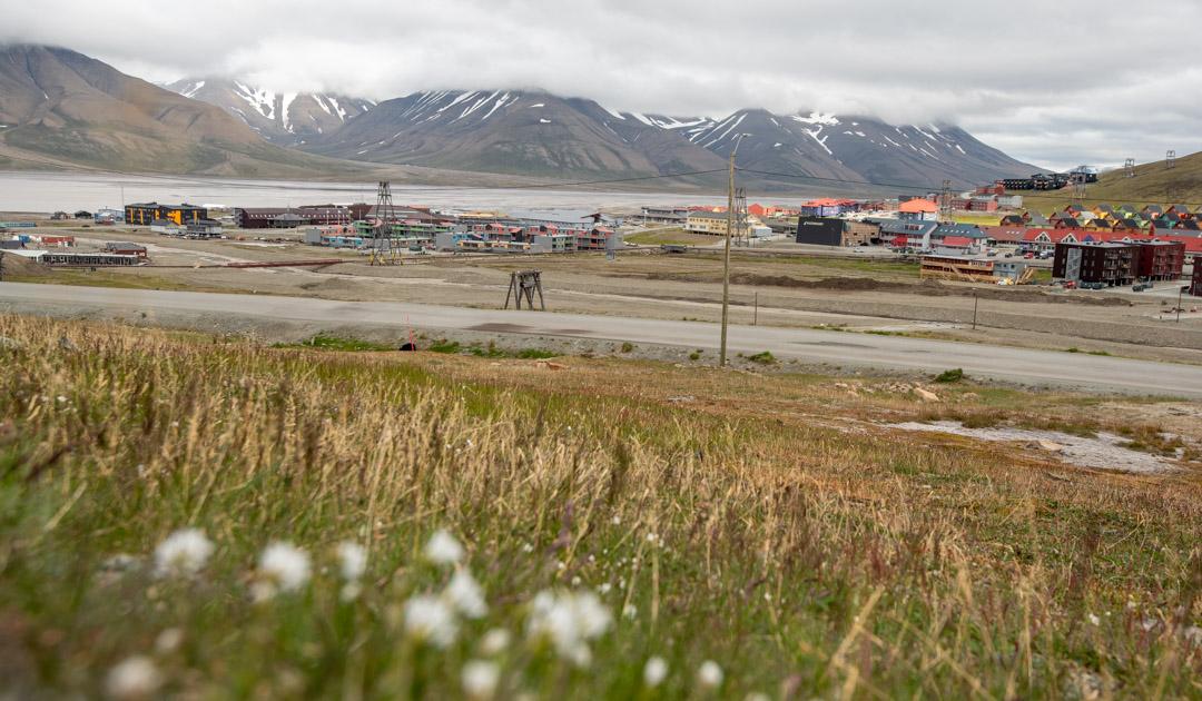 Longyearbyen emits billions of microfibers