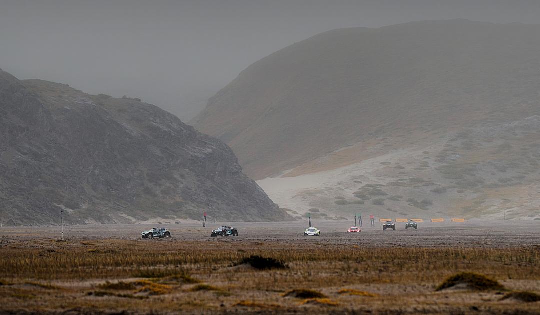 E-Autos fahren Offroad-Rennen in Grönland